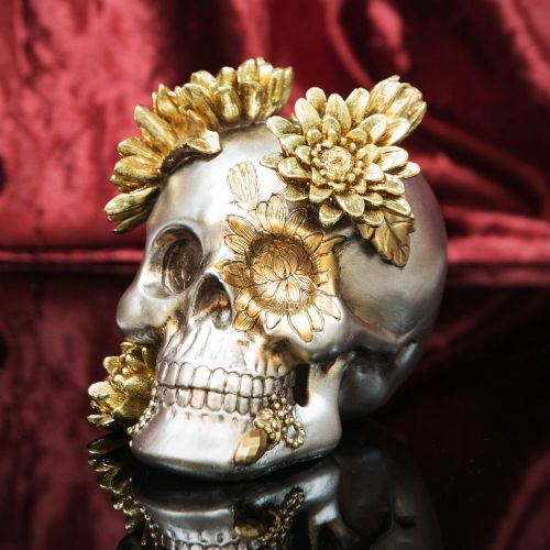 Day Of The Dead Skull Figurine Ornament